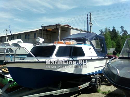 Ходовой тент на лодку и катер цена в компании «МаринЛайн». Ссылка на фотографию: http://marinline.ru/uploads/posts/2018-06/1528915642_hodovyie-tentyi-na-kater-hodovoy-tent-22.jpg