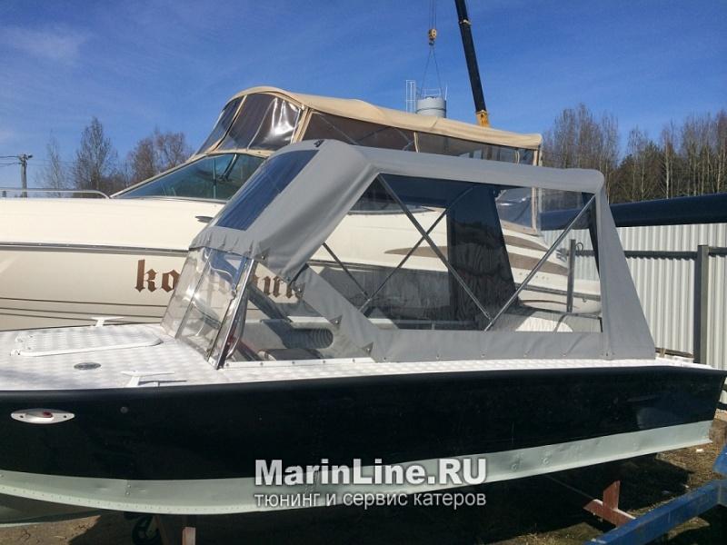 Ходовой тент на лодку и катер цена в компании «МаринЛайн». Ссылка на фотографию: http://marinline.ru/uploads/posts/2018-06/1528915644_hodovyie-tentyi-na-kater-hodovoy-tent-54.jpg