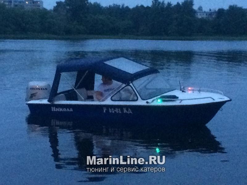 Ходовой тент на лодку и катер цена в компании «МаринЛайн». Ссылка на фотографию: http://marinline.ru/uploads/posts/2018-06/1528915644_hodovyie-tentyi-na-kater-hodovoy-tent-56.jpg