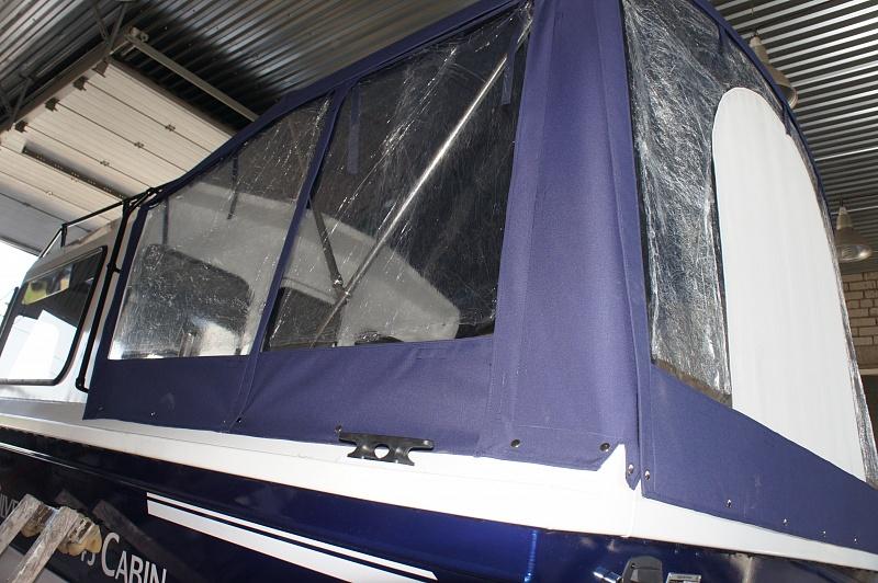 Ходовой тент на лодку и катер цена в компании «МаринЛайн». Ссылка на фотографию: http://marinline.ru/uploads/posts/2018-06/1528915647_hodovyie-tentyi-na-kater-hodovoy-tent-78.jpg