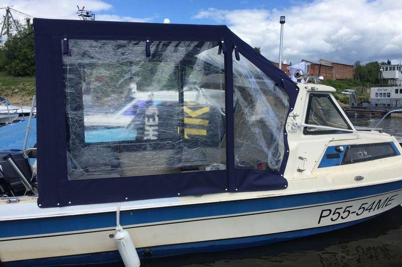 Ходовой тент на лодку и катер цена в компании «МаринЛайн». Ссылка на фотографию: http://marinline.ru/uploads/posts/2018-06/1528915655_hodovyie-tentyi-na-kater-hodovoy-tent-69.jpg