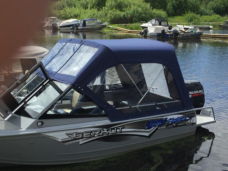 Ходовой тент на лодку и катер цена в компании «МаринЛайн». Ссылка на фотографию: http://marinline.ru/uploads/posts/2018-06/1528915655_hodovyie-tentyi-na-kater-hodovoy-tent-81.jpg
