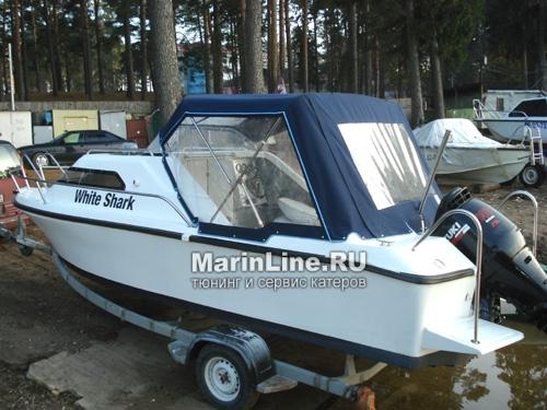 Ходовой тент на лодку и катер цена в компании «МаринЛайн». Ссылка на фотографию: http://marinline.ru/uploads/posts/2018-06/1528915678_hodovyie-tentyi-na-kater-hodovoy-tent-6.jpg