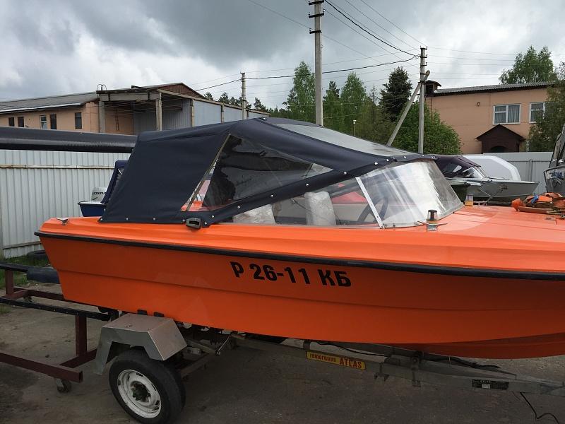 Ходовой тент на лодку и катер цена в компании «МаринЛайн». Ссылка на фотографию: http://marinline.ru/uploads/posts/2018-06/1528915690_hodovyie-tentyi-na-kater-hodovoy-tent-80.jpg