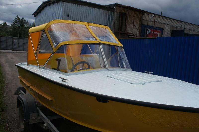 Ходовой тент на лодку и катер цена в компании «МаринЛайн». Ссылка на фотографию: http://marinline.ru/uploads/posts/2018-06/1528915691_hodovyie-tentyi-na-kater-hodovoy-tent-67.jpg