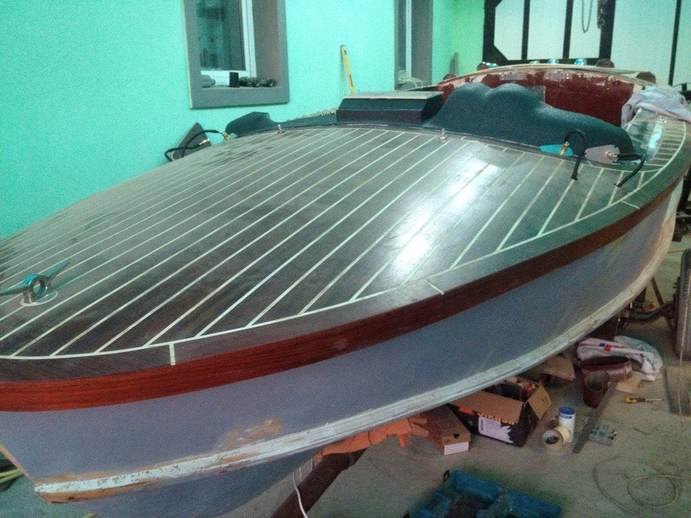 Покраска катера цена в компании «МаринЛайн». Ссылка на фотографию: http://marinline.ru/uploads/posts/2018-06/1529352624_pokraska-katera-3.jpg