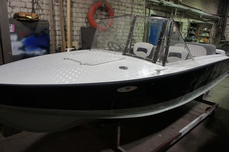 Тюнинг катера «Прогресс» цена в компании «МаринЛайн». Ссылка на фотографию: http://marinline.ru/uploads/posts/2018-06/1529407475_tjuning-katera-progress9.jpg