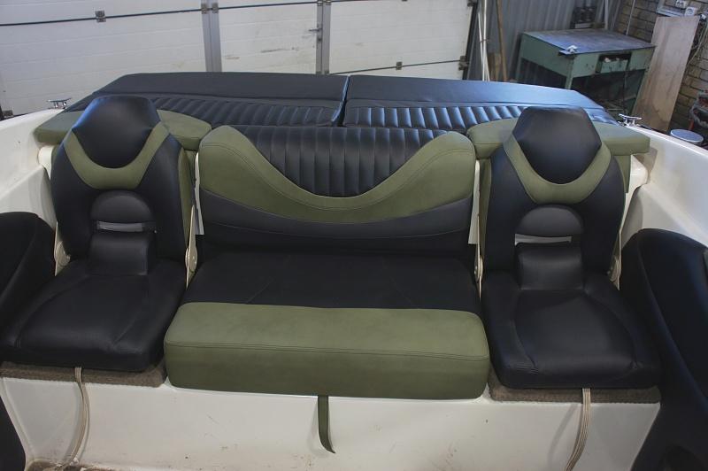 Перетяжка салона катера - отделка интерьера катера цена в компании «МаринЛайн». Ссылка на фотографию: http://marinline.ru/uploads/posts/2018-08/1534156012_otdelka-salona-katera31.jpg
