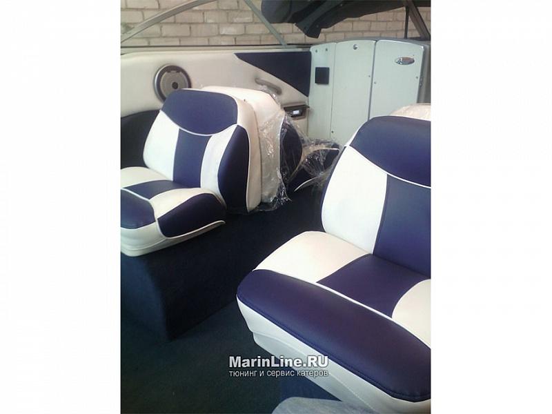 Перетяжка салона катера - отделка интерьера катера цена в компании «МаринЛайн». Ссылка на фотографию: http://marinline.ru/uploads/posts/2018-08/1534156074_otdelka-salona-katera25.jpg