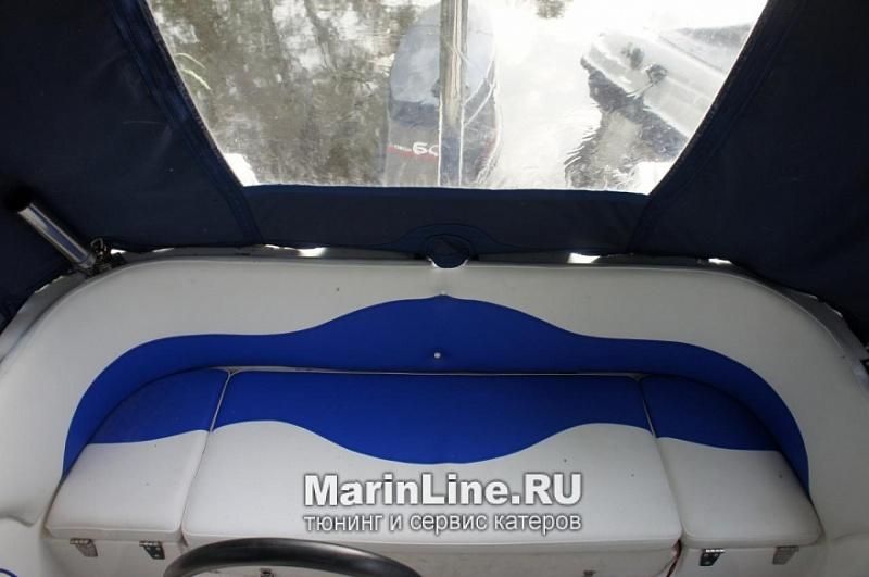 Перетяжка салона катера - отделка интерьера катера цена в компании «МаринЛайн». Ссылка на фотографию: http://marinline.ru/uploads/posts/2018-08/1534156087_otdelka-salona-katera18.jpg
