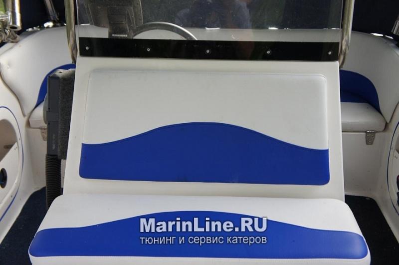 Перетяжка салона катера - отделка интерьера катера цена в компании «МаринЛайн». Ссылка на фотографию: http://marinline.ru/uploads/posts/2018-08/1534156114_otdelka-salona-katera17.jpg