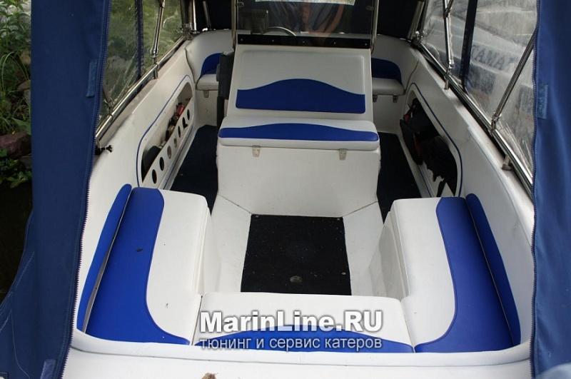 Перетяжка салона катера - отделка интерьера катера цена в компании «МаринЛайн». Ссылка на фотографию: http://marinline.ru/uploads/posts/2018-08/1534156117_otdelka-salona-katera16.jpg