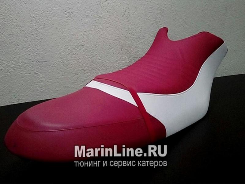Перетяжка салона катера - отделка интерьера катера цена в компании «МаринЛайн». Ссылка на фотографию: http://marinline.ru/uploads/posts/2018-08/1534156123_otdelka-salona-katera24.jpg